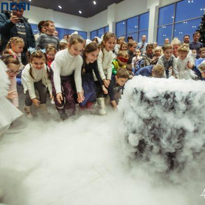 Новогодние клиентские мероприятия в автосалонах группы компаний КорсГрупп